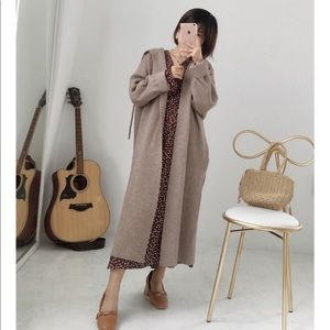 Jackets & Blazers - Nude colored long knit coat with pockets